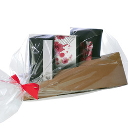 TRIANGULAR BOX WITH CHOCOLATE SELECTIONS WITH I AM SORRY BAND